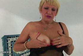 只有肛门残酷的他妈的奶奶喷成熟的屁股巨大的阴部